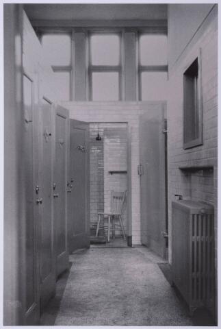 027924 - Badhokjes van het badhuis aan het Paduaplein rond 1929