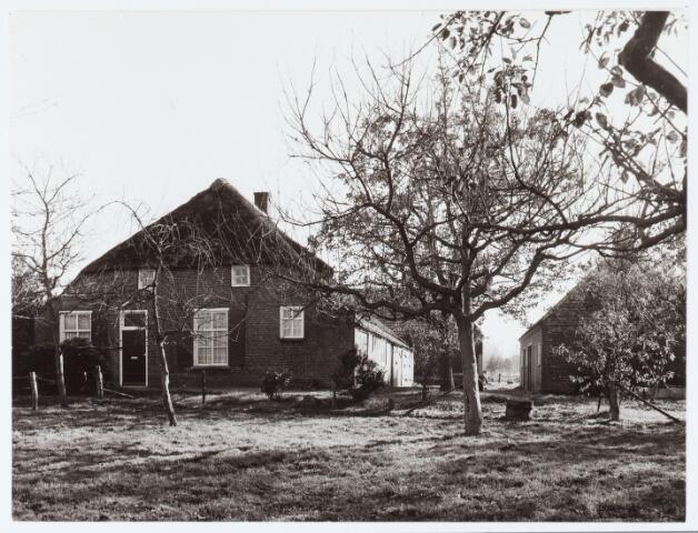 062425 - Landbouw. Boerderij aan het Baaneind te Heukelom, voorheen Berkel-Enschot