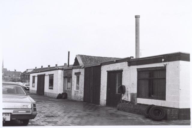017198 - Binnenplaats van garage Havermans aan de Capucijnenstraat