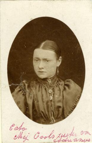 071730 - Catharina Maria (Cato) Cools, geboren te Loon op Zand op 21 augustus 1867, dochter van leerlooier Jan Baptist Cools en Maria Catharina Tijmans.