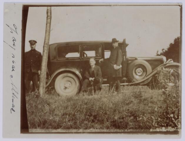 049094 - De eerste auto van de Tilburgse fabrikantenfamilie De Beer-Eras: een Winston Six.