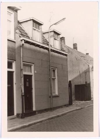 017200 - Pand Capucijnenstraat 229 eind 1966