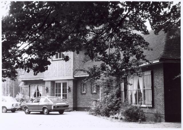 016292 - Voorgevel van een villa aan de Bredaseweg