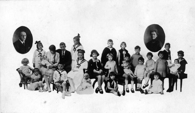 1709_0006 - Foto van de familie Franken-Donders