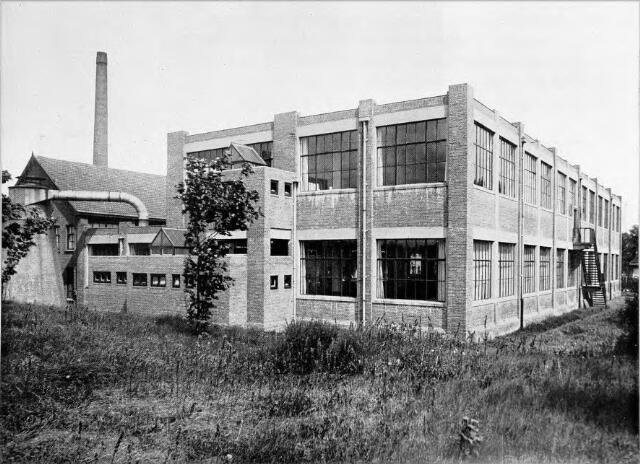 054561 - Achtergevel van de nieuwe stoomschoenfabriek Ligtenberg te Dongen.