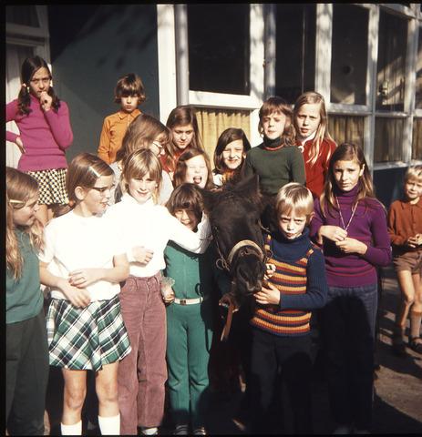 650117 - Gerardus Majellaschool, Hulten. Dierendag 1972.