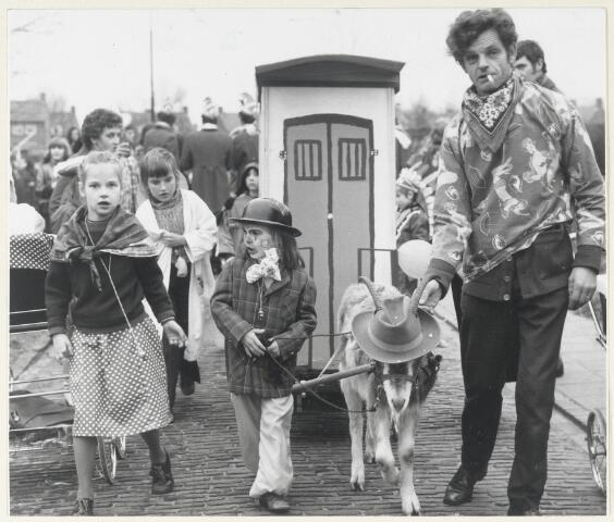 91125 - Made en Drimmelen.  Carnaval in Made in 1973. De kinderoptocht .