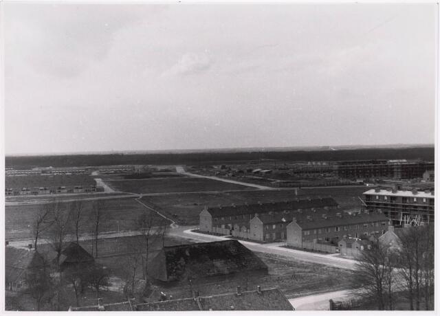 "036703 - Panorama van Tilburg vanaf de torenflat ""Vredeburcht """