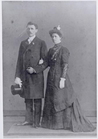 046150 - Trouwfoto van Petrus Wilhelmus Antonius Snels geboren te Goirle op 8 juli 1886 en Jeanette Adriana Verschuren, geboren te Princenhage op 19 november 1881.Trouwdatum was 16 juni 1910.
