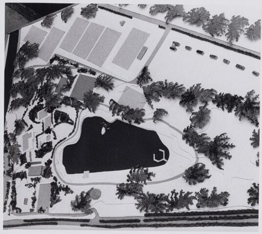 100943 - Sport- en Recreatiecomplex De Warande met openlucht zwembad.