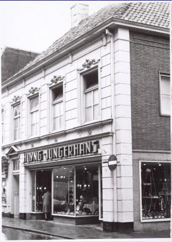 021739 - Winkel in huishoudelijk artikelen van Hoyng - Jungerhans eind april 1966