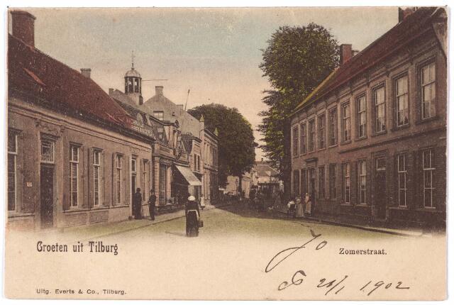 001201 - Zomerstraat in oostelijke richting. Links de toren van de Nederlands-Hervormde Pauluskerk. Het huis met de luifel links is even voorzien van een verdieping. Hier was de spiegel- en lijstenfabriek van Henri Briels gevestigd.