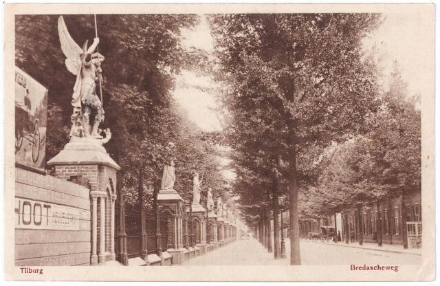 000120 - Begraafplaats Binnenstad met beeldengalerij links. Kerkhof. Bredaseweg.