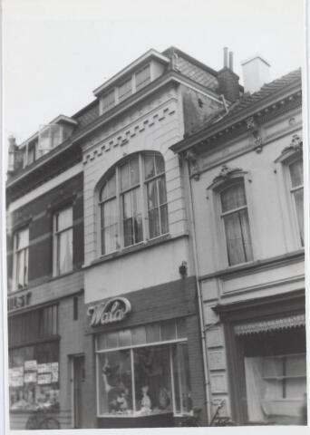 021796 - Corsetterie Wala in de Heuvelstraat eind oktober 1960