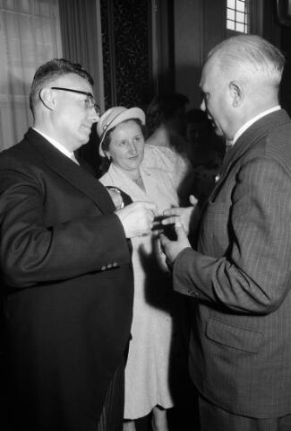050780 - 25-jaar bij de (KAB) gehuldigd als voorzitter P.J.Vriens.