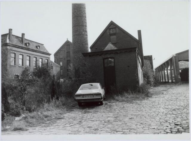 019231 - Gebouwen en schoorsteen behorende tot het complex van wollenstoffenfabriek C. Mommers