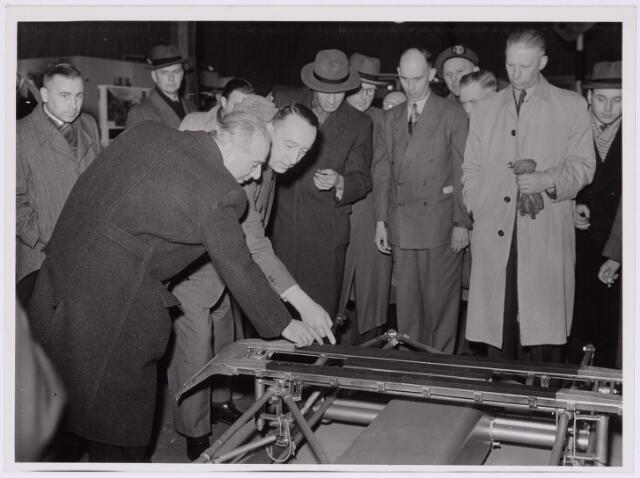 036785 - Spoorwegen: Electrificatie-tentoonstelling (15-29 april 1950) Bovenleiding