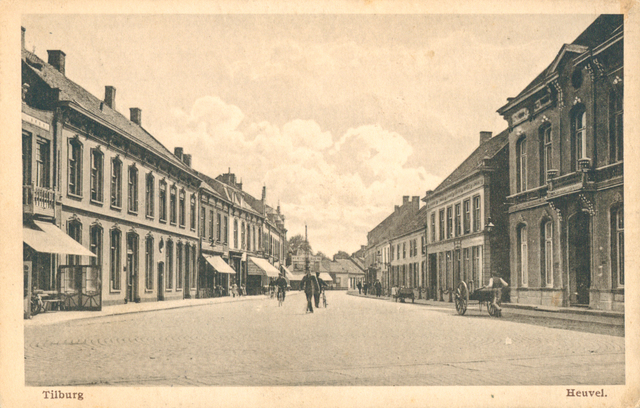 653923 - Tilburg. Ansichtkaart van De Heuvel met een postzegel van anderhalve cent
