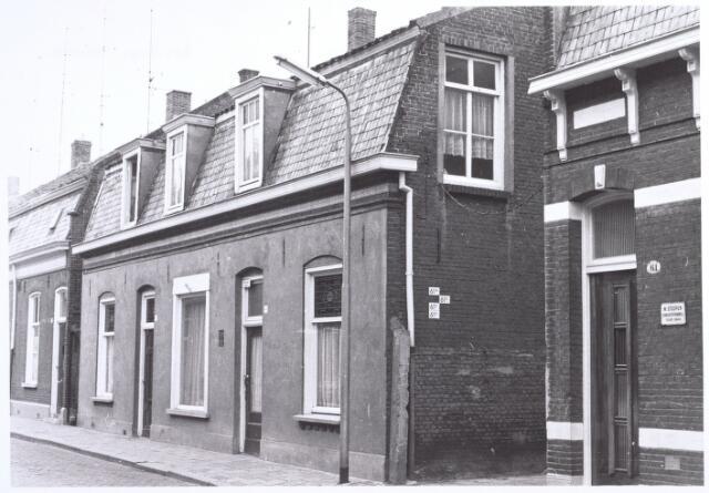 017089 - Panden Capucijnenstraat 63 (rechts) en 65 (links) anno 1969