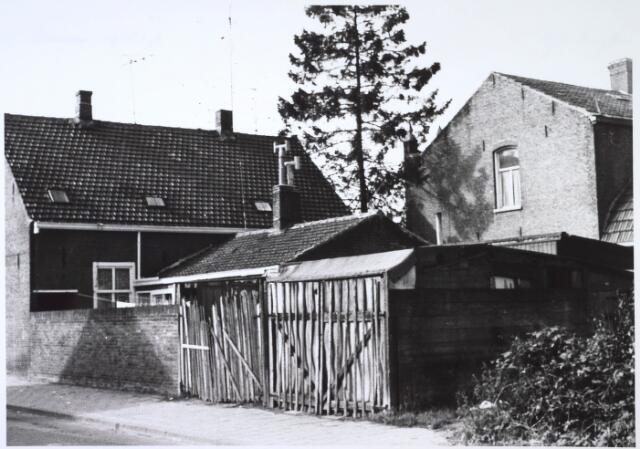 024345 - Achterzijde van het pand Korenbloemstraat 134, gezien vanuit de Godfried Schalckenstraat