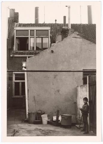 017048 - Achterzijde van het pand Capucijnenstraat 19 anno 1967