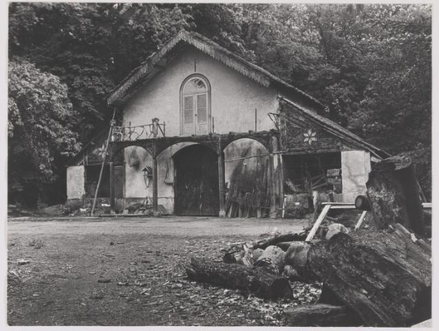"""082575 - Bijgebouw op het landgoed """"Valkenberg"""" omgeving Ulvenhout"""