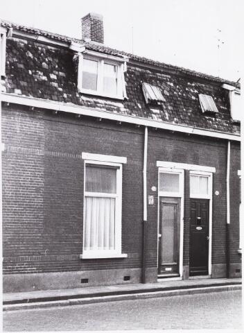 034480 - Lijnsheike 209; thans heet dit deel van de straat Von Weberstraat. De meeste huizen aan het Lijnsheike zijn inmiddels gesloopt.