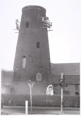 016587 - Restant van de molen van de meelfabriek Schraven - Eijsbouts.