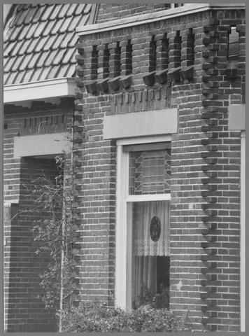 88772 - Wagenstraat 27, Wagenberg: detail voorgevel.
