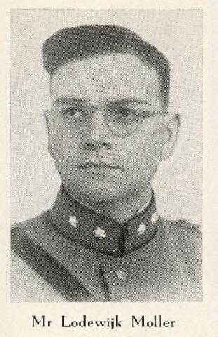 604411 - Bidprentje. Tweede Wereldoorlog. Oorlogsslachtoffers. Lodewijk Willem M. Moller, werd geboren op 29 mei 1911 in Amsterdam en overleed op 10 mei 1940 in Valkenburg (Z.H.).  Moller, reserve 1e luitenant, 1e Compagnie, IIIe Bataljon, 4e Regiment Infanterie kwam om tijdens bombardementen op het vliegveld Valkenburg (Z.H.).