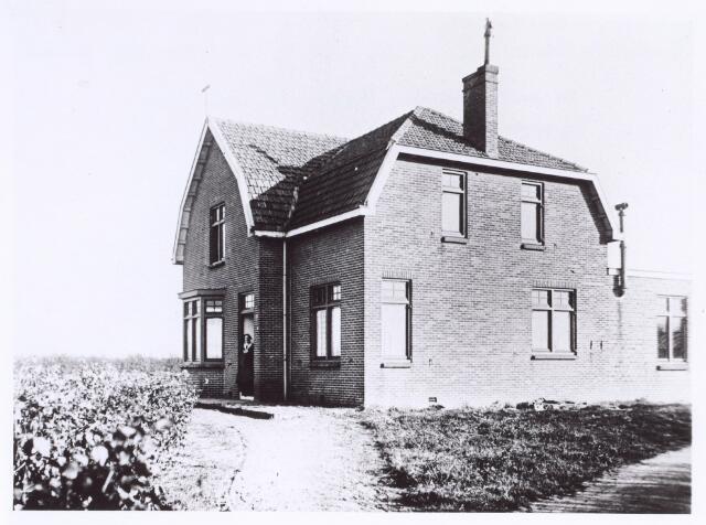 017383 - Dit pand was in 1928 het tijdelijke missiehuis van de Oblaten die twee jaar later verhuisden naar het Ave Maria Klooster aan de Nieuwe Goirleseweg nu Voltstraat.