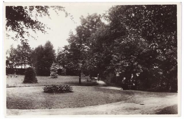 001442 - Tuin van het retraitehuis en klooster van O.L.V. van het Cenakel aan de Koningshoeven, thans Kempenbaan.