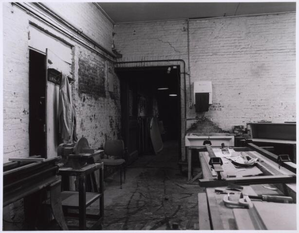 023195 - Duvelhok. Werkcentrum voor beeldende expressie. Interieur vóór de restauratie