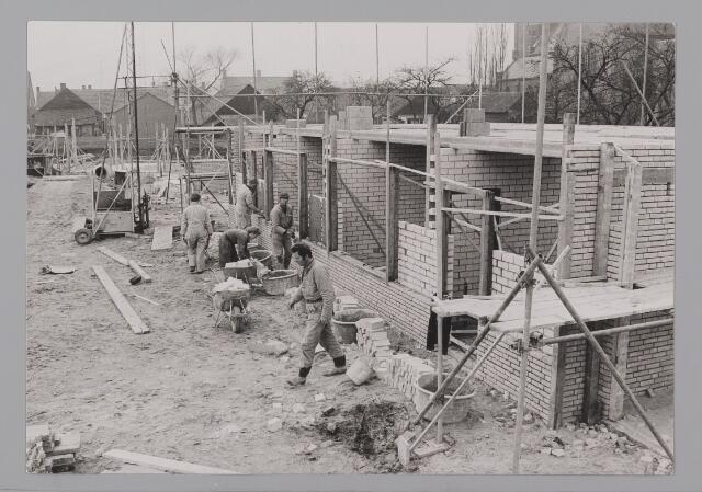 083427 - Nieuwbouw achter de R.K. kerk