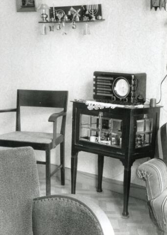 602008 - interieur huiskamer met radio