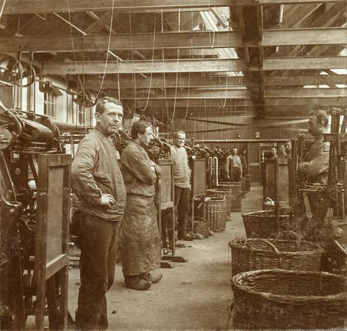 653476 - Textielfabriek Gebroeders Diepen. Arbeiders. (Origineel is een stereofoto.)
