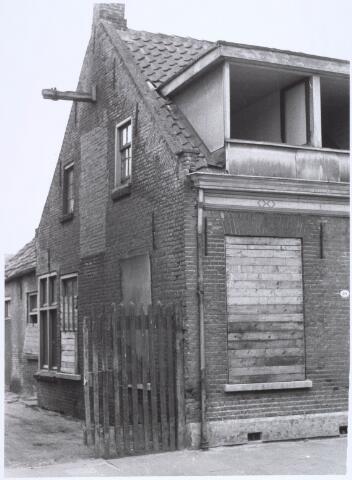 022526 - Slooppand aan de Van Hogendorpstraat in 1968