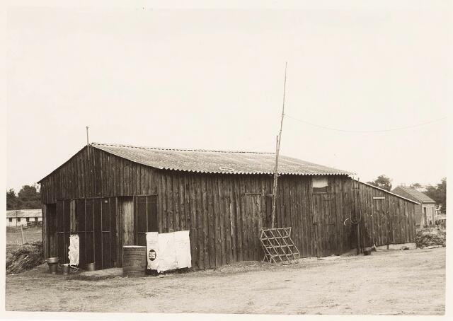 032969 - Gebouw van de proefboerderij aan de Oude Loonsebaan.