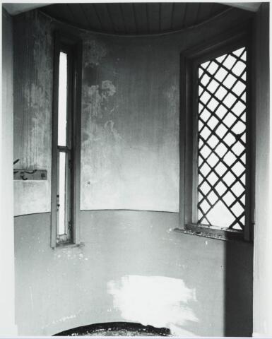 025349 - Torentjeskamer van het St. Josephgasthuis in de Lange Nieuwstraat kort voor de sloop