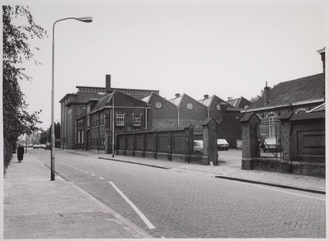 025115 - De Provinciale Noord-Brabantse Energiemaatschappij PNEM aan de Lange Nieuwstraat, gevestigd in het complex van de voormalige machinefabriek Deprez