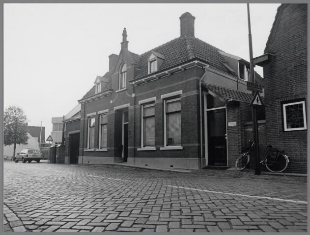 88757 - Brouwerijstraat 3, Wagenberg, herenhuis gebouwd in 1915.
