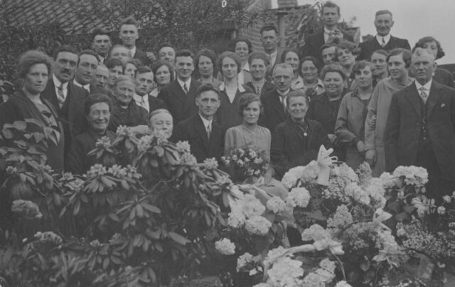 063868 - In 1928 trouwde in Tilburg Augustinus Johannes van Noort, geboren te Tilburg op 14 juli 1900 en overleden te Eindhoven op 24 juli 1987, met Henrica Theodora Maria Melis, geboren te Tilburg op 17 april 1900 overleden te Vught op 8 juni 1992.