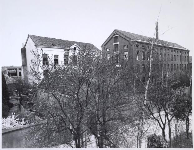 024415 - Textiel. Gebouwen van de voormalige textielfabriek Brouwers aan de Korte Schijfstraat. Na jarenlange leegstand werd het complex gesloopt en verschenen er woningen