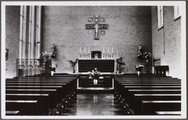 011106 - Interieur kapel van het klooster van de zusters van liefde van O.L.V. Moeder van Barmhartigheid aan het Korvelplein nr. 12.