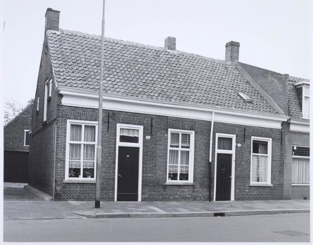 020478 - Panden Hasseltsraat 206 (links) en 208 anno 1977
