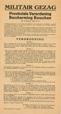 1726_027 - Affiche Tweede Wereldoorlog.   Militair Gezag. Vanaf de bevrijding in 1944 tot het aantreden van het kabinet Schermerhorn-Drees in juni 1945, werd het overheidsgezag in Tilburg uitgeoefend door het Militair Gezag.  Provinciale verordening ter bescherming van de bossen in deze periode van brandstoftekorten. Regels met betrekking tot de kap en het vervoer van hout.   Gegeven te Vught op 25 januari 1945. Ondertekend door de militaire commissaris in de provincie Noord-Brabant, de reserve luitenant kolonal voor Algemene Dienst Ir. J. B. G. M. RIdder de van der Schueren.  Afmeting: 32x60 cm, Drukkerij Teulings grafisch Bedrijf N.V., 's-Hertogenbosch.  WOII. WO2.