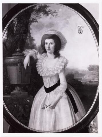 008198 - Schilderij. Mary Douglas geboren Bergen op Zoom 10.12.1755, gestorven 's-Hertogenbosch 30.5.1793, gehuwd den Bosch 6.5.1781 Mr C. Baron van Breugel.