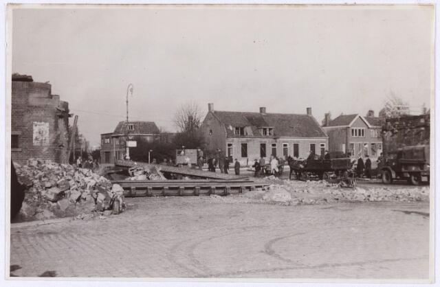 012711 - WO2 ; WOII ; Tweede Wereldoorlog. Herstel. Vernielde spoorbrug aan de Ringbaan-Oost, een week na de bevrijding