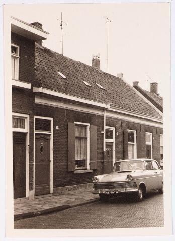 028122 - Woningen aan de Veldstraat 49 en 51, thans Pastoor van Beurdenstraat