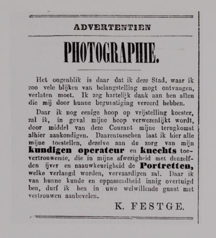 040145 - Advertentie waarin fotograaf K. Festge aankondigt afwezig te zijn wegens militaire dienstplicht.